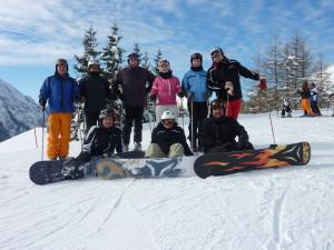 Spaß im Schnee, Skifahrer und Snowboarder des FSV